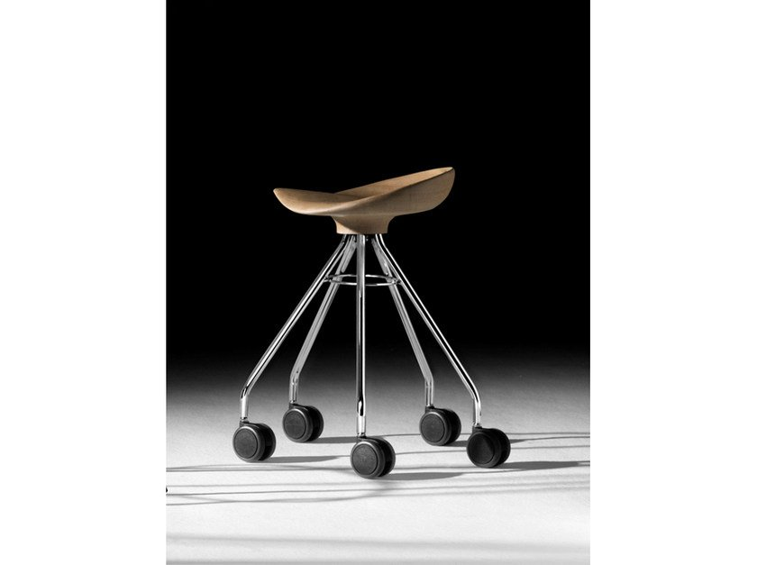 Low trestle-based wooden stool with casters JAMAICA | Low stool - BD Barcelona Design