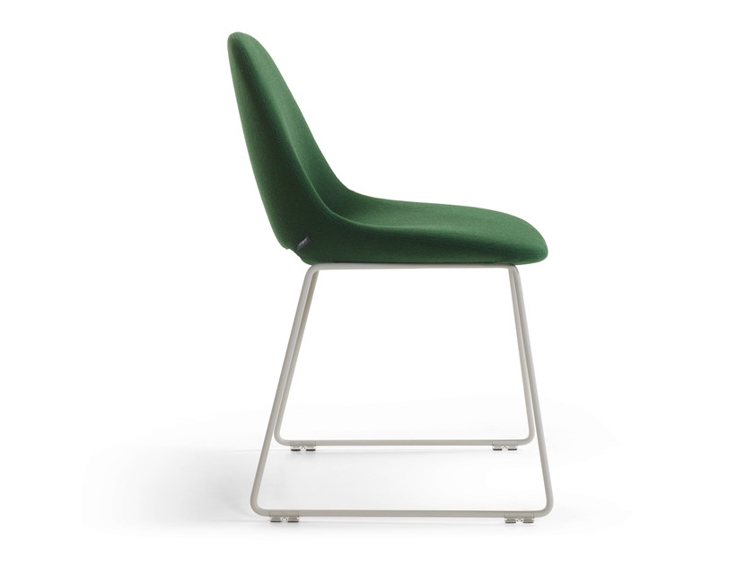 Sled base upholstered chair BESO | Sled base chair - Artifort