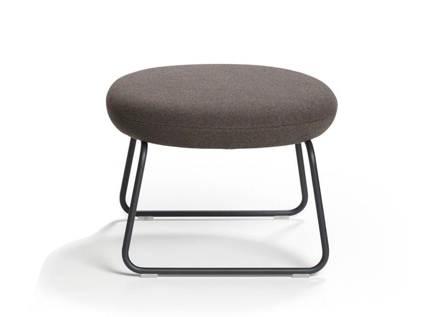 Sled base footstool VEGA | Footstool - Artifort