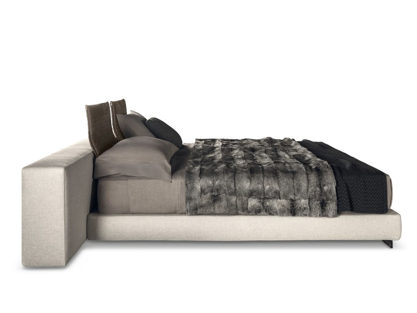 Bed YANG BED by Minotti