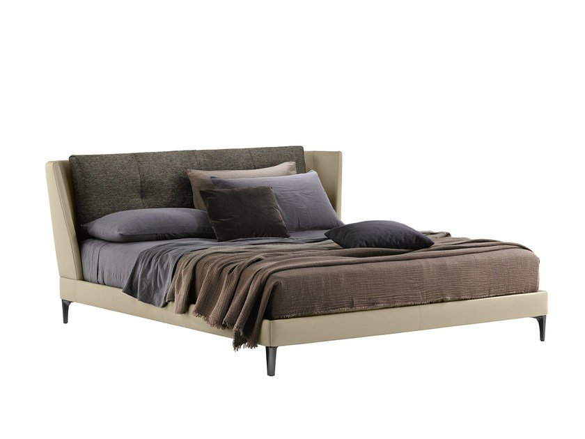 Double bed BRETAGNE | Bed by Poltrona Frau