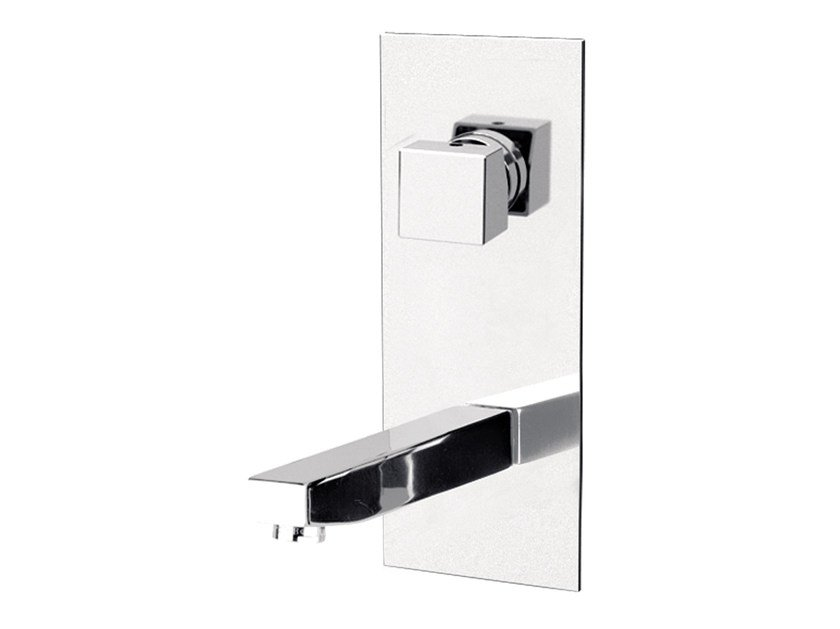 Wall-mounted single handle washbasin mixer with plate OXY | Washbasin mixer with plate - Daniel Rubinetterie