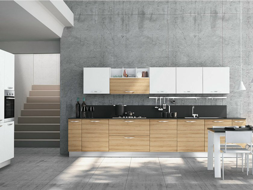 Fitted kitchen with handles BRITT - CREO Kitchens by Lube