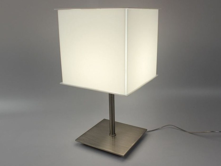 Handmade Plexiglas® table lamp Plexiglas® table lamp - Ipsilon PARALUMI