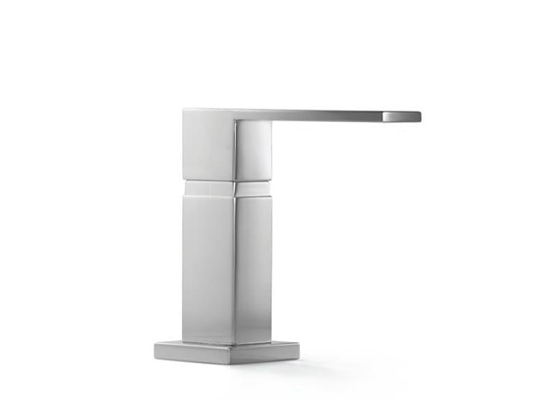 Liquid soap dispenser 82 437 970 | Liquid soap dispenser - Dornbracht