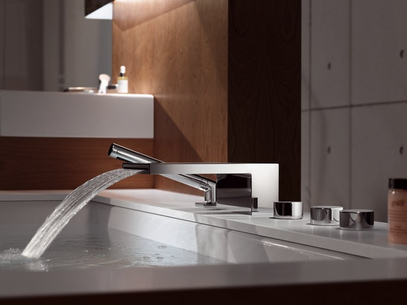 Chrome-plated bathtub spout