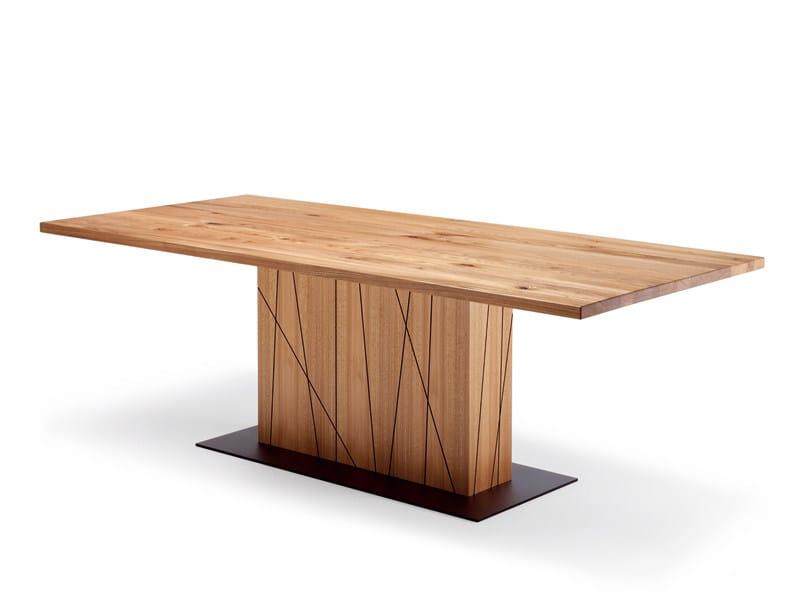 esstisch aus holz rolf benz 8800 by rolf benz design. Black Bedroom Furniture Sets. Home Design Ideas