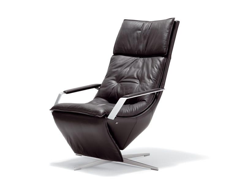 verstellbarer sessel mit fu schemel rolf benz 577 by rolf benz design schnabel schneider. Black Bedroom Furniture Sets. Home Design Ideas
