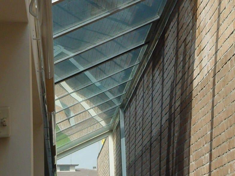 Pellicola di controllo solare per vetrate zenitali xtrm for Finestre velux orizzontali