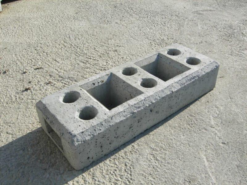 Concrete element for perimeter enclosure Concrete element for perimeter enclosure - F.LLI ABAGNALE