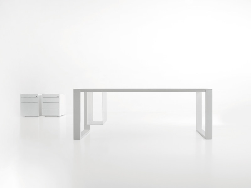 MDF workstation desk LEG_IN by Viccarbe