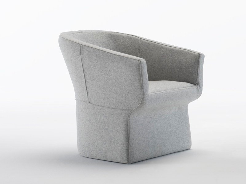 Upholstered armchair FEDELE | Armchair - Viccarbe