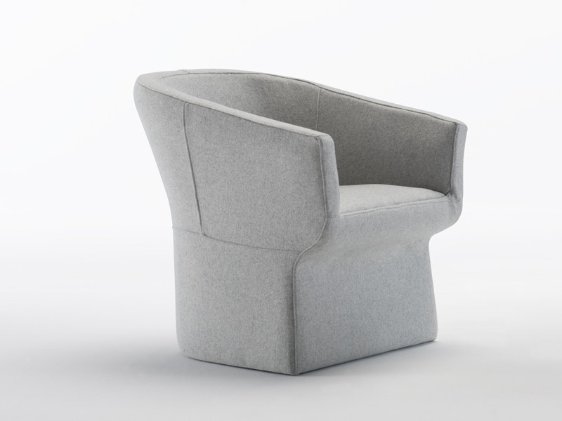 Upholstered armchair FEDELE | Armchair by Viccarbe