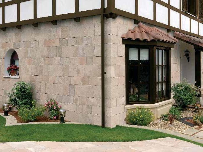 Poblet revestimiento de pared by sas italia aldo larcher - Piedra artificial para fachadas ...