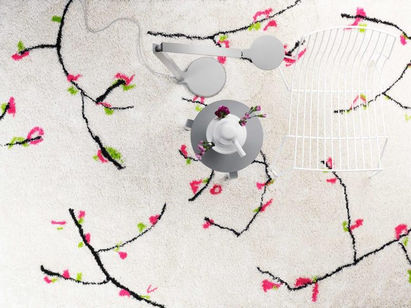 Linen rug with floral pattern VÅRTECKEN - Kasthall