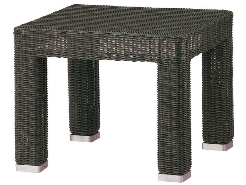 tavolino da giardino basso quadrato collezione belmont by cane line. Black Bedroom Furniture Sets. Home Design Ideas