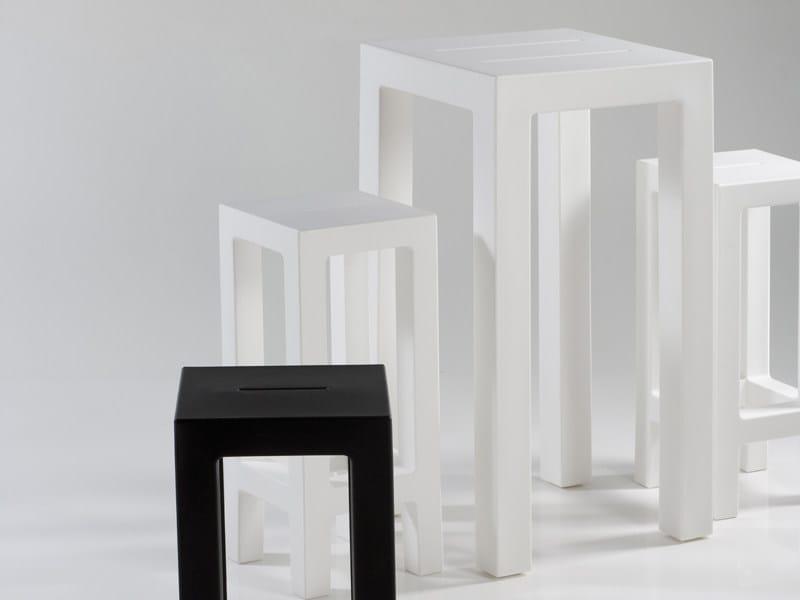 High resin garden side table JUT | Garden side table by VONDOM