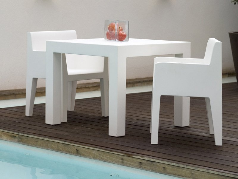 Resin garden table JUT | Square garden table - VONDOM
