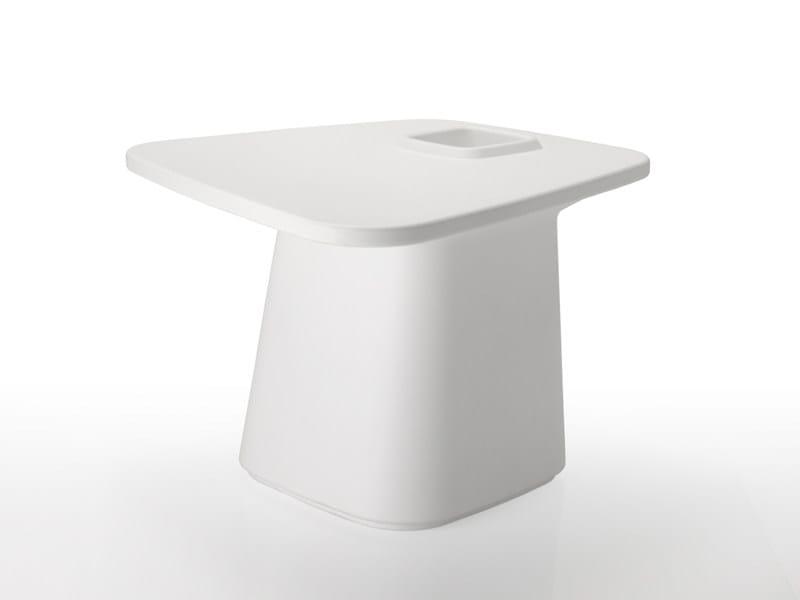 Polyethylene garden side table MOMA AIRE MEDIUM by VONDOM