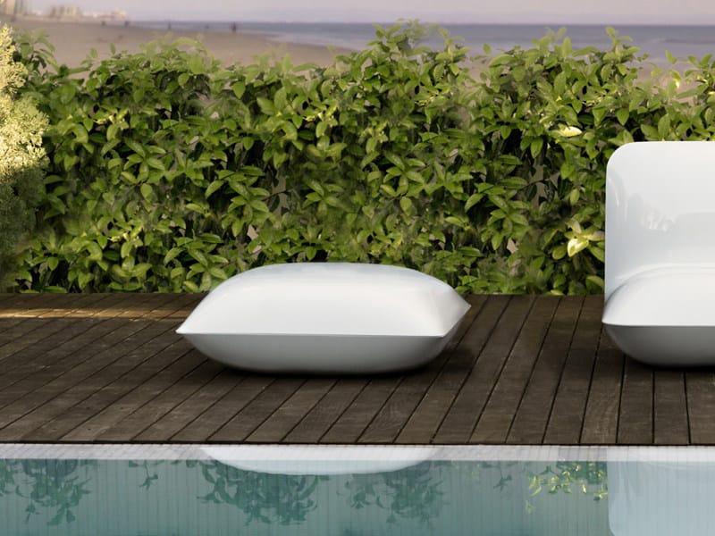Polyethylene garden pouf PILLOW | Garden pouf by VONDOM