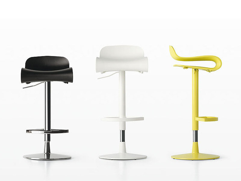 Height-adjustable swivel stool BCN | Swivel stool by Kristalia