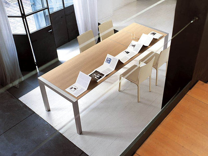 Table extensible en aluminium et bois sushi collection for Table kristalia