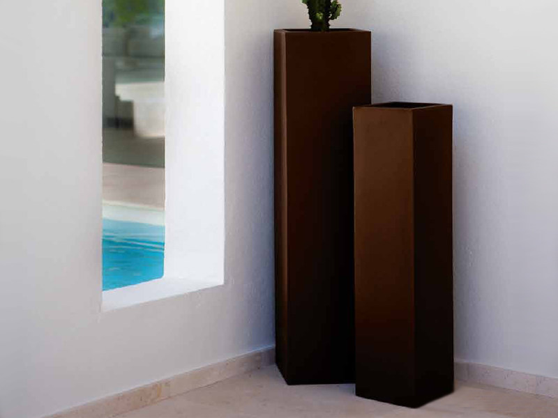 High polyethylene vase with Light TORRE CUADRADA - VONDOM