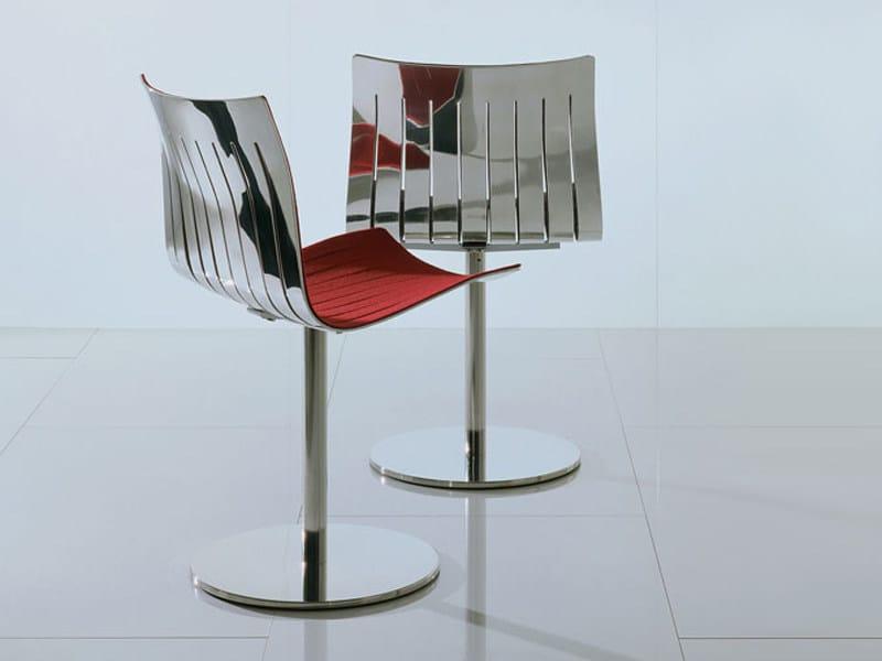 Sedia girevole in alluminio airy girevole by acerbis for Sedia design girevole