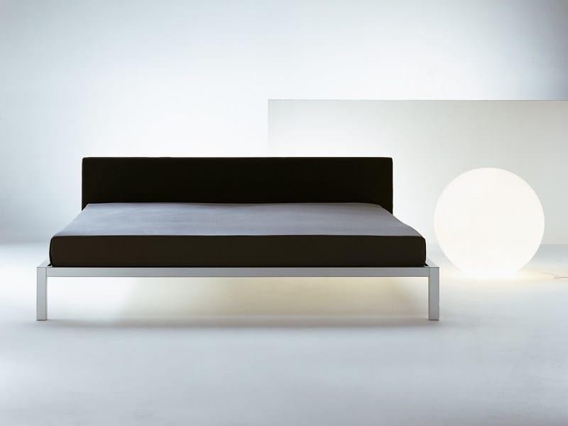 Letto con testiera imbottita aluminium bed soft collezione aluminium by mdf italia design - Letto singolo lunghezza 210 ...