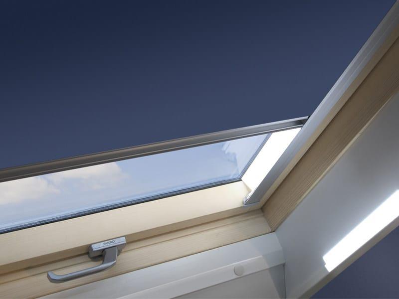Tenda per finestre da tetto oscurante arf sunset fakro for Oscuranti per finestre velux