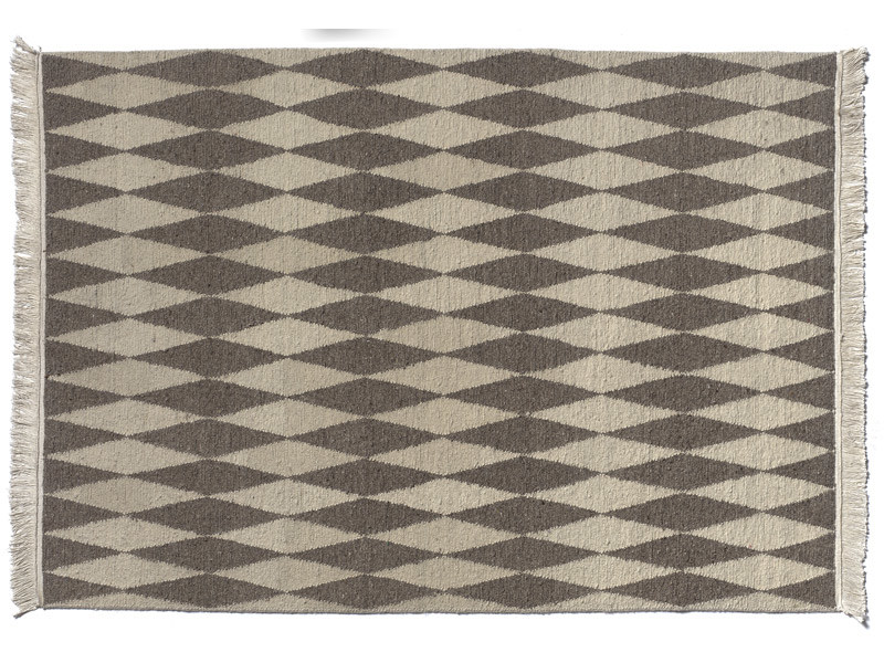 Wool rug with geometric shapes NEYRIZ by e15