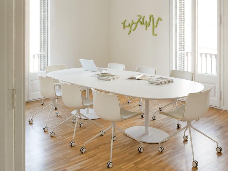 Tavolo ovale dizzie h 74 tavolo ovale arper - Tavolo ovale bianco ...