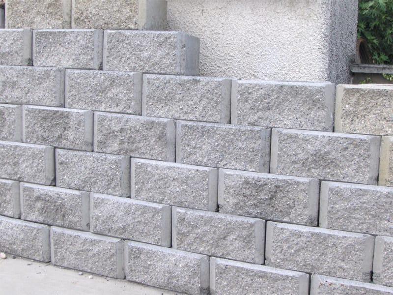 Concrete load-bearing block ROKKO-BLOCCO by Calubini