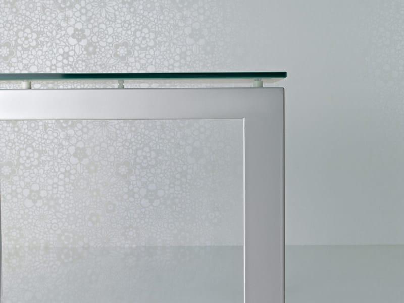 Scrivania direzionale in cristallo abaco scrivania for Scrivanie in cristallo