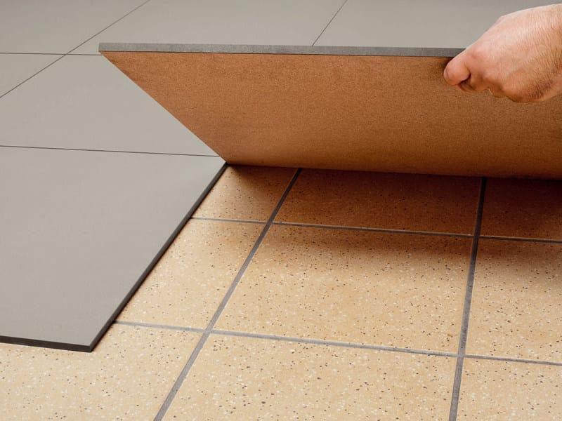 Pavimento antiscivolo autoposante in gres porcellanato aexacta pavimento au - Revetement de sol adhesif ...