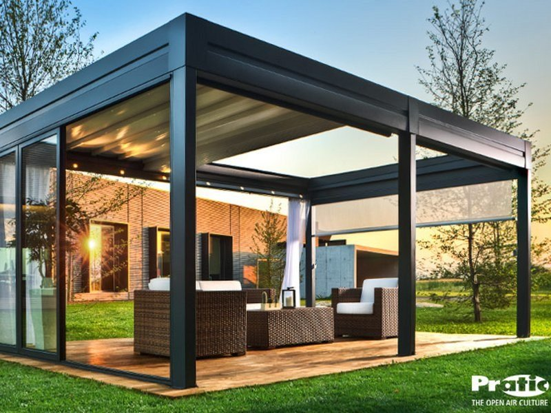 Aluminium pergola with sliding cover tecnic reverse by pratic f lli orioli for Pergola aluminium design