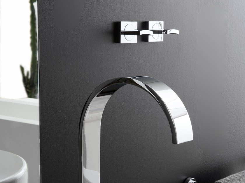 Robinet pour lavabo mural collection sade by graff europe west for Robinet mural pour lavabo