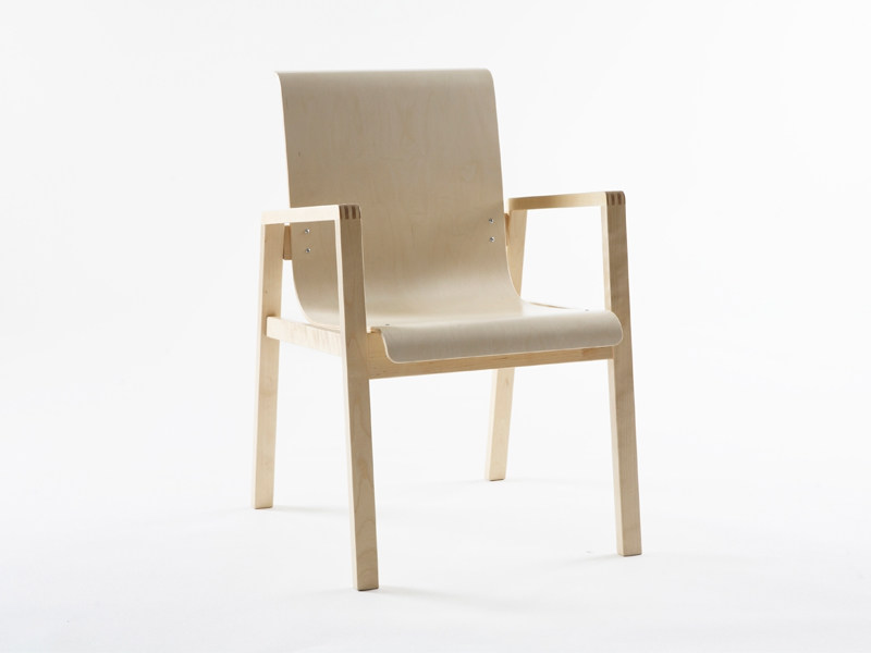 Wooden chair with armrests 403 | Birch chair - Artek