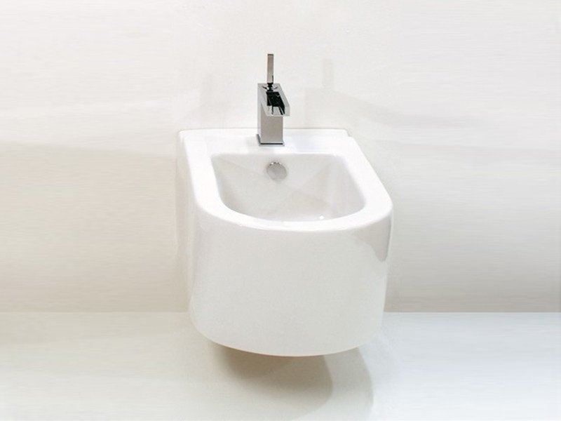 Race bidet sospeso by gsg ceramic design design for Architec bidet sospeso