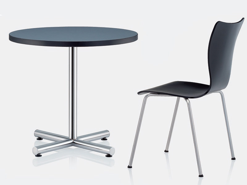 Round HPL table with 4-star base 2280 | Table - Brunner
