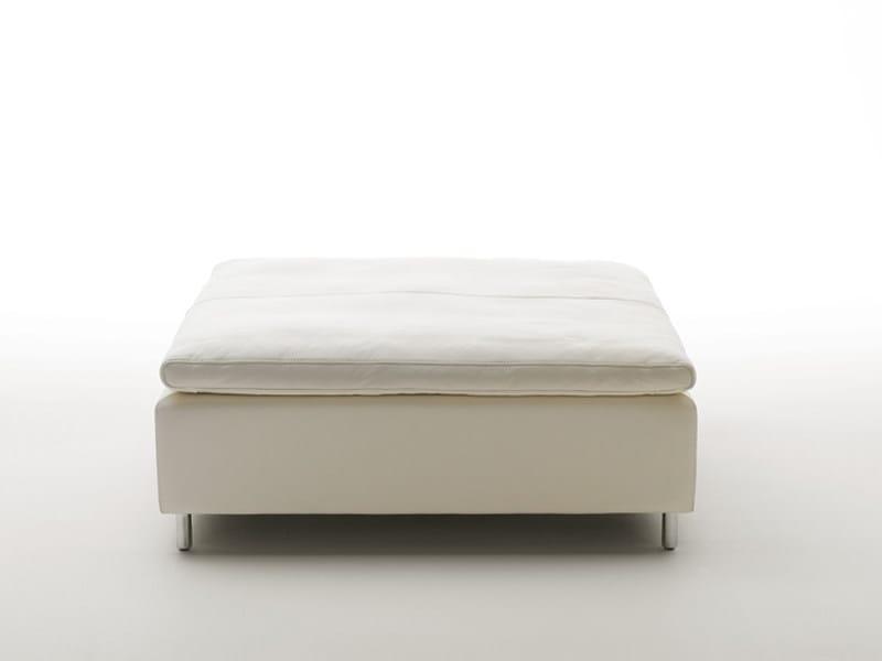 Upholstered pouf DS-7 | Pouf by de Sede