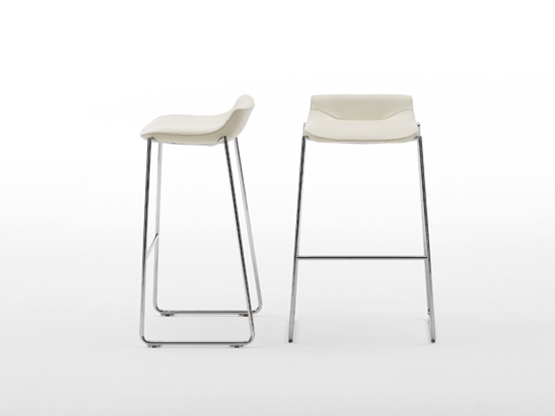 Sled base stool DS-717 | Stool - de Sede
