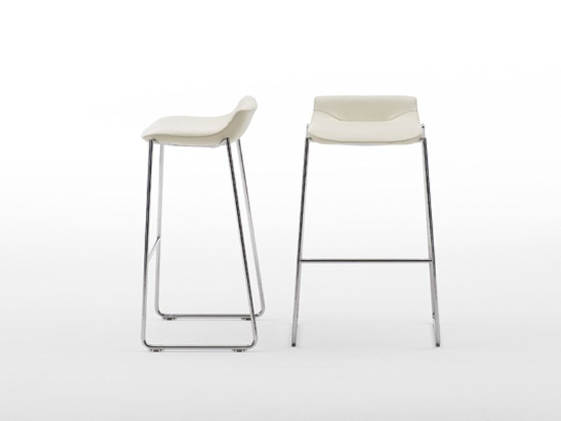 Sled base stool DS-717 | Stool by de Sede