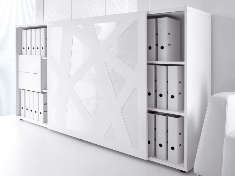Office storage unit with sliding doors STANDARD | Office storage unit by MDD