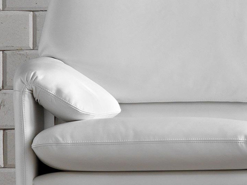 Leather armchair with armrests BELLA BORA HIGH | Armchair - LEOLUX