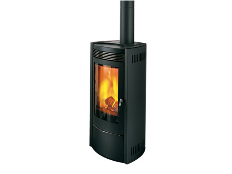 Stufa a legna per riscaldamento aria quasar acciaio collezione wood by mcz group - Stufa a legna per riscaldamento ...