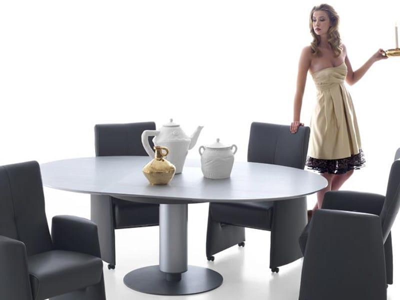 Extending oval wooden table CALBUCO by LEOLUX