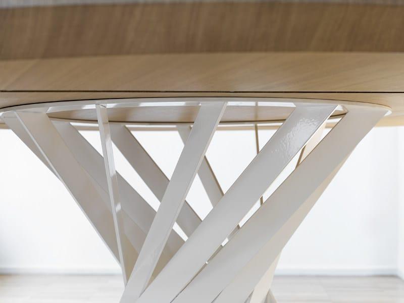 Tavolo rotondo da pranzo in legno twist tavolo interni - Tavoli da pranzo rotondi ...