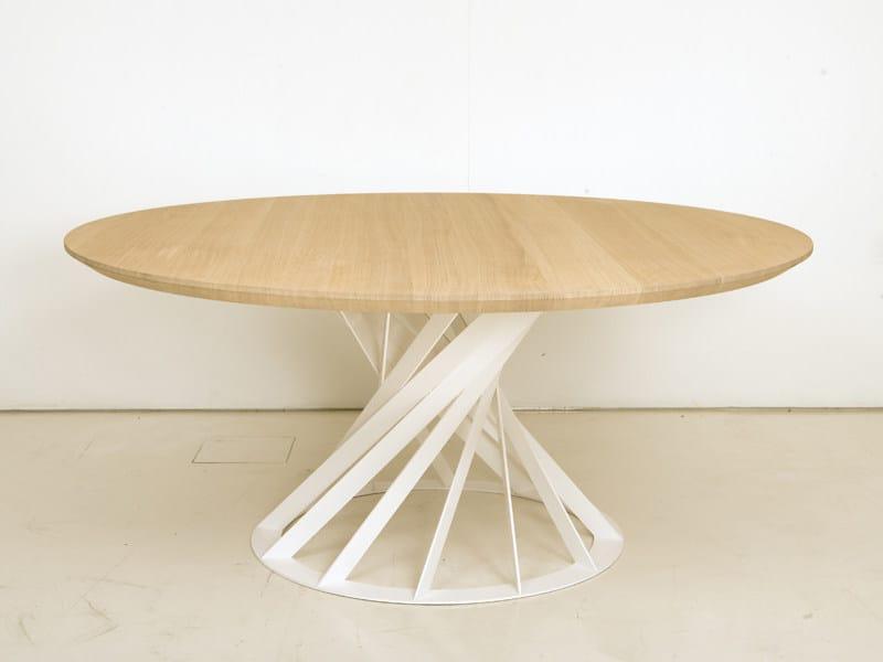 Tavolo rotondo da pranzo in legno twist tavolo interni for Tavolo rotondo da pranzo