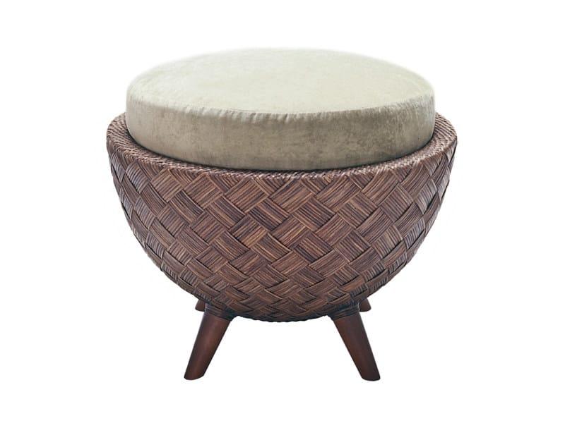pouf en rotin collection la luna by kenneth cobonpue design kenneth cobonpue. Black Bedroom Furniture Sets. Home Design Ideas